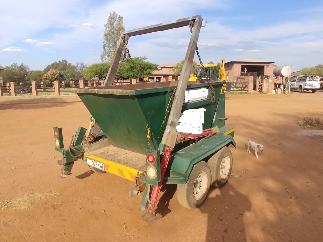 Excellent Bakkie, Skip trailer and 2/3 cube skip bins selling as a Combo