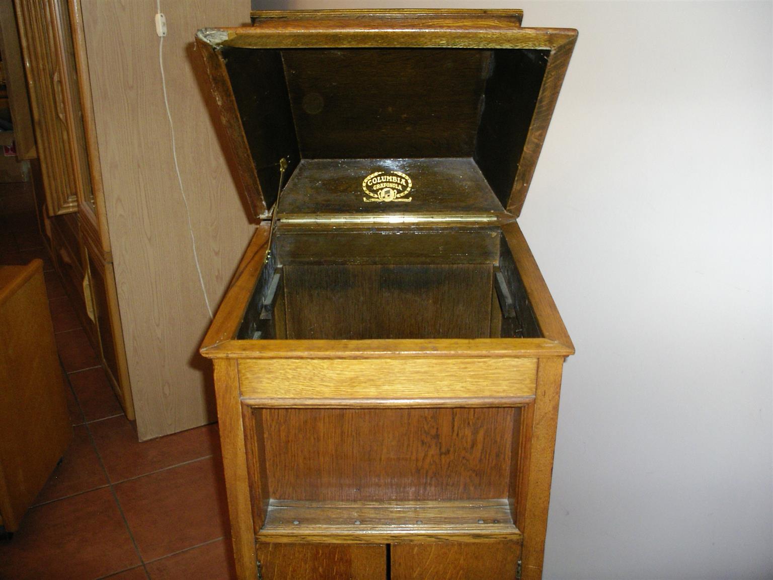 Vintage Original Columbia Grafonla Cabinet