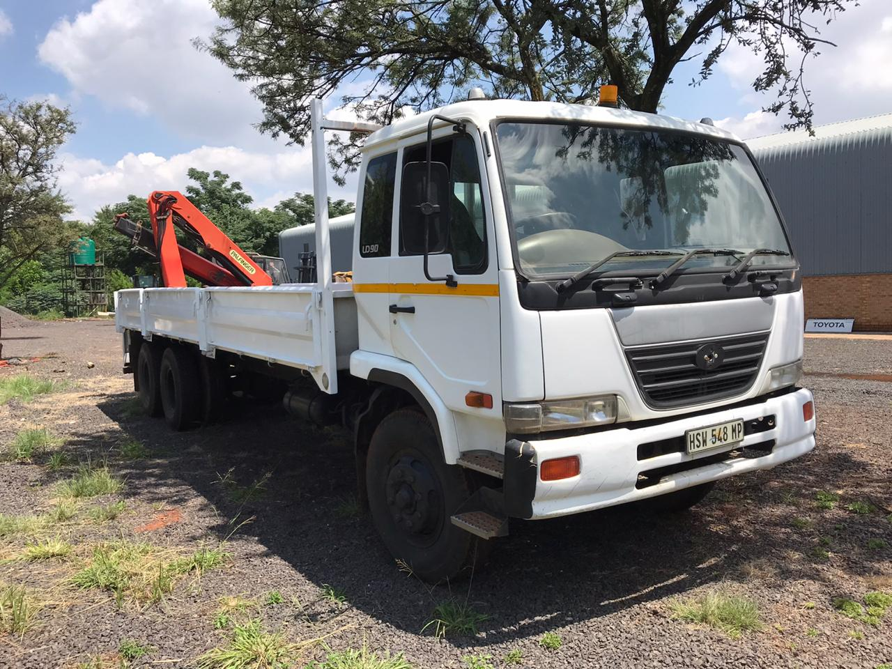 Nissan UD 90 Crane Truck