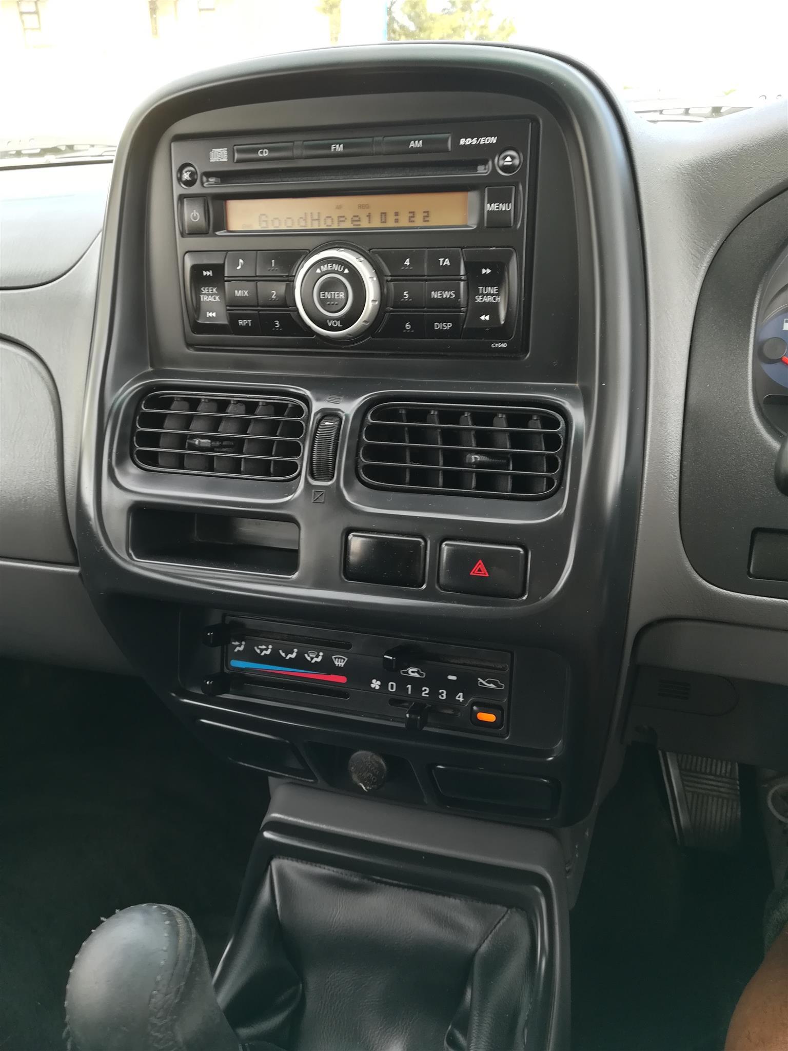 2016 Nissan NP300 Hardbody 2.5TDi (aircon)