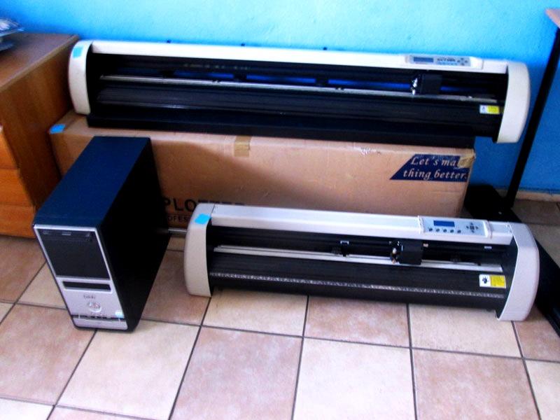 V-1707 V-Series High-Speed USB Vinyl Cutter, 1700mm Working Area, In-house VinylCut