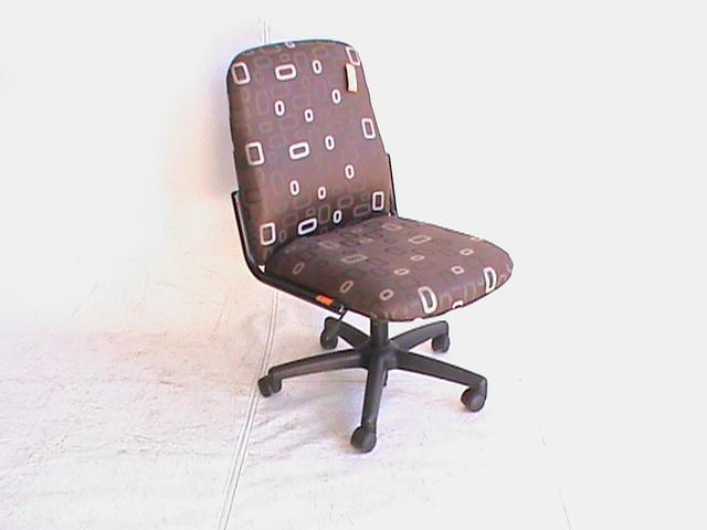 M/B 2 Tone fabrick visitor chair