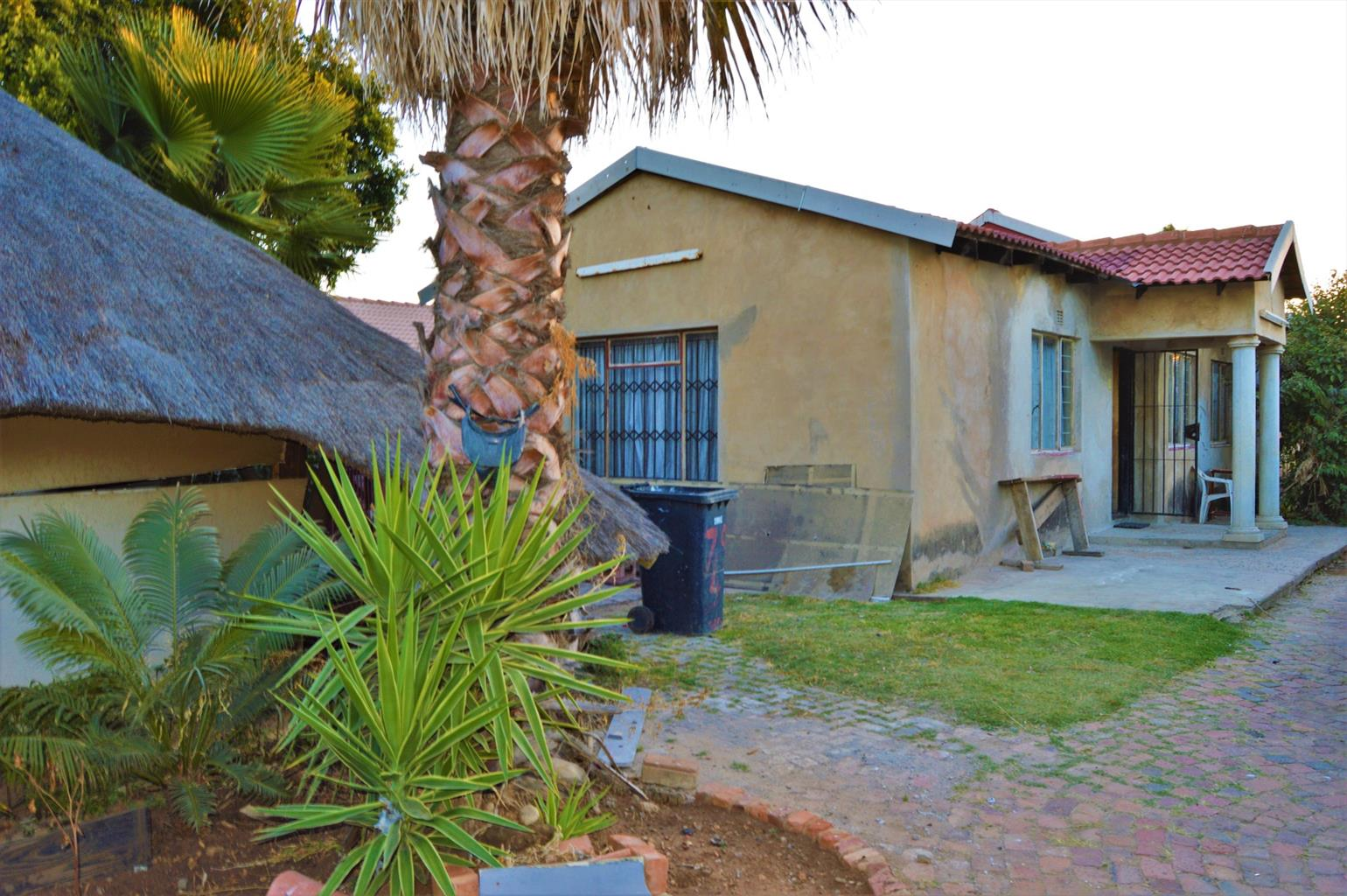House For Sale in Claremont