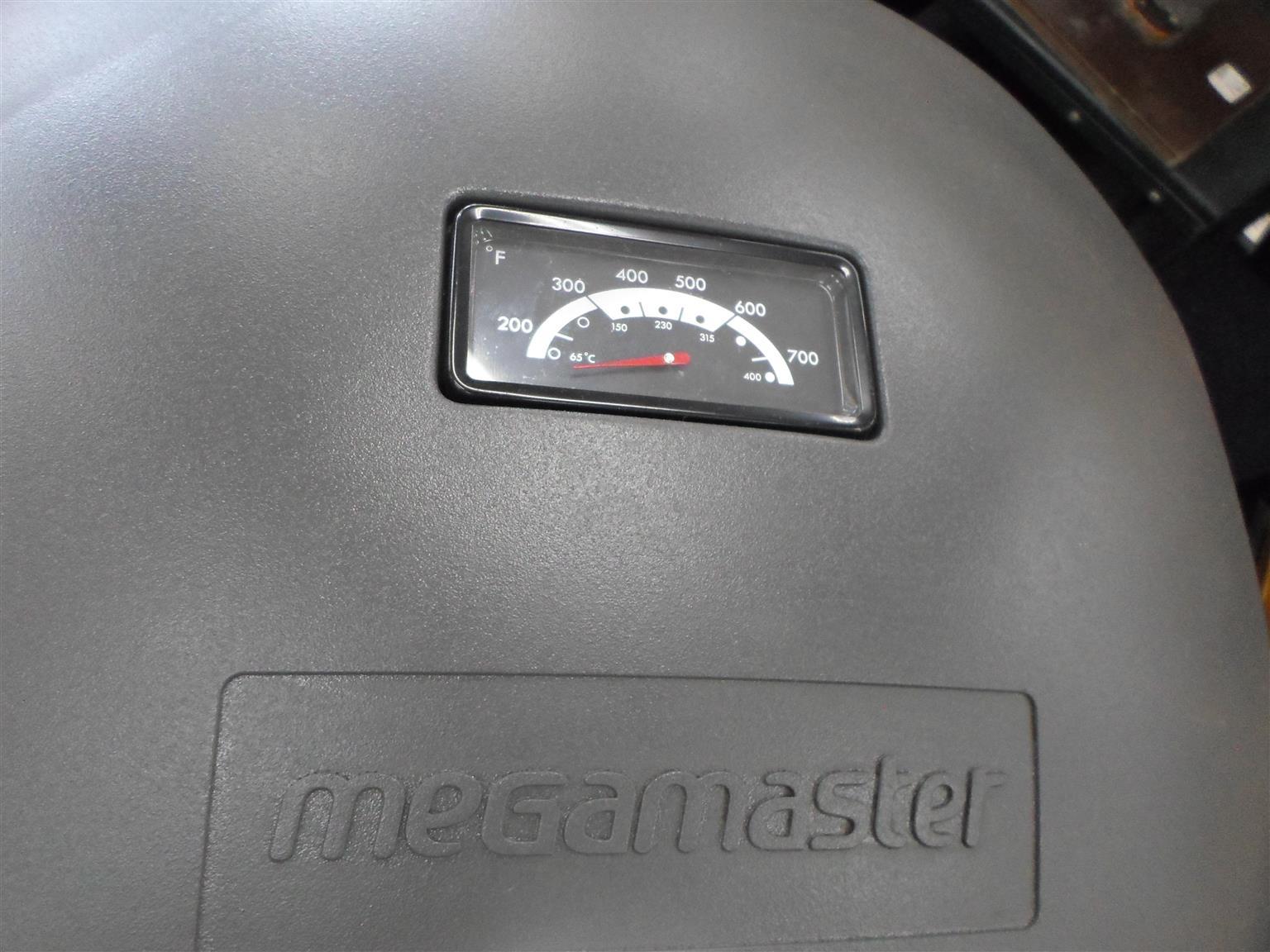 Megamaster Gas Braai