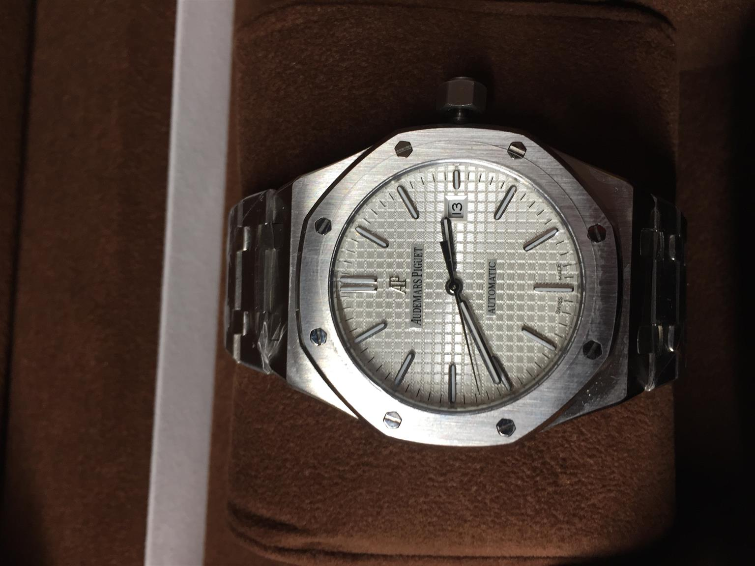 AP Aaa grade, Fully Automatic, Stainless steel, Mineral Crystal Glass