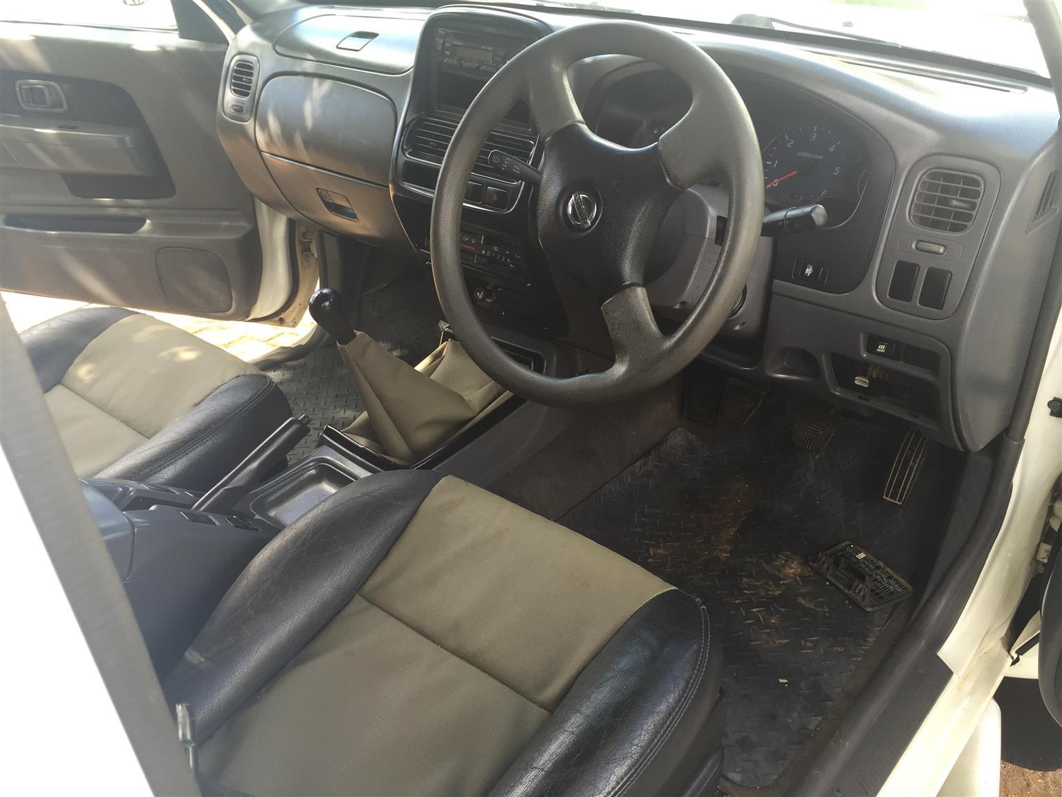 2005 Nissan 1 Tonner