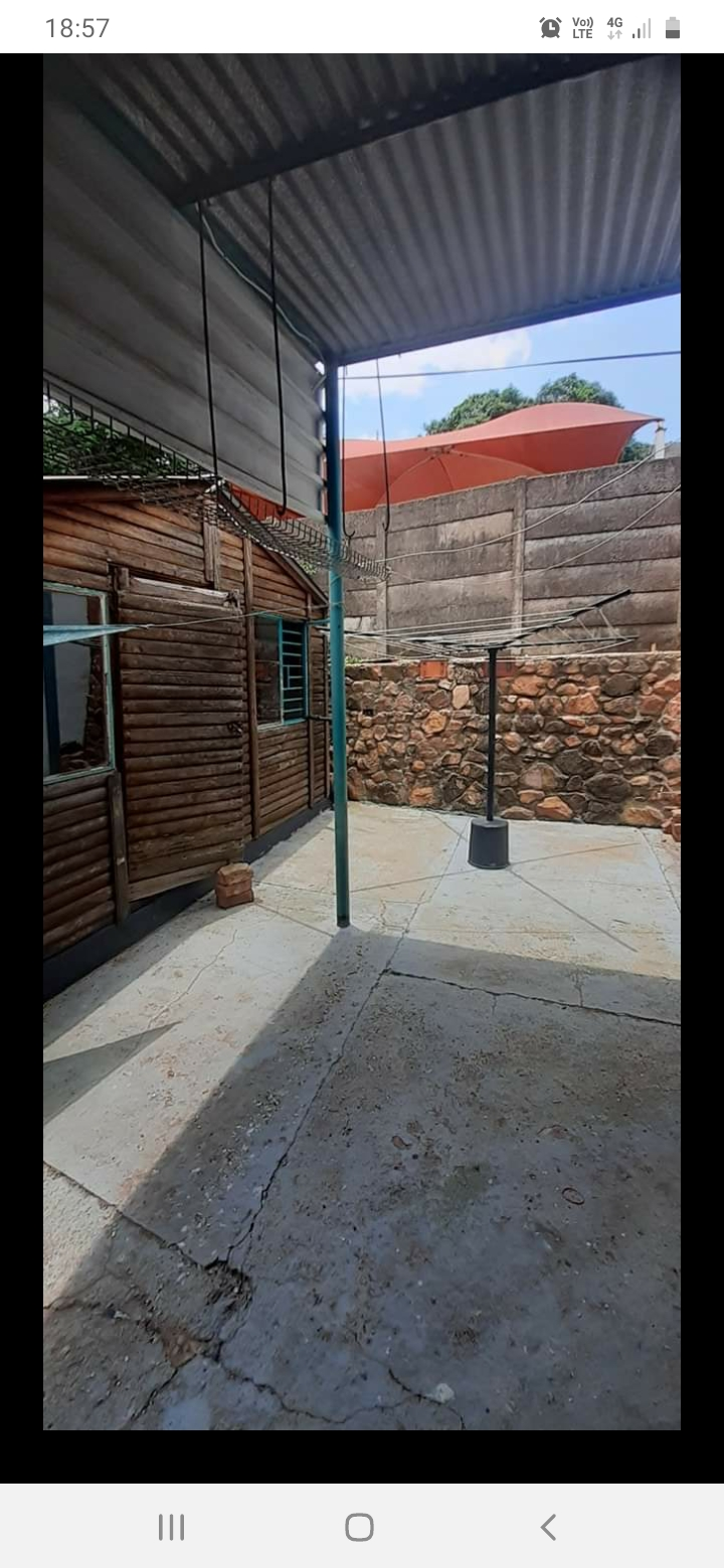 Bargain! 1 Big Garden flat to rent in mountainview pretoria area