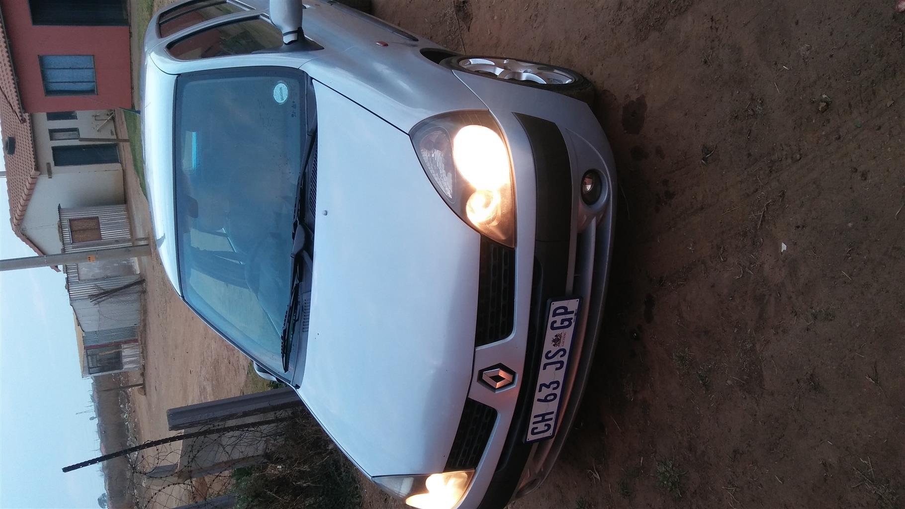 2002 Renault Clio 1.6 Expression 5 door