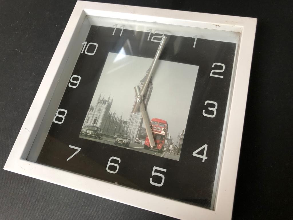 Stylish Wall clock featuring Big Ben of London