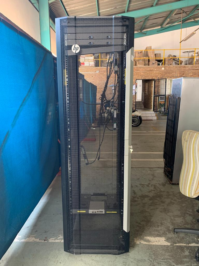4 x HP server cabinets for sale