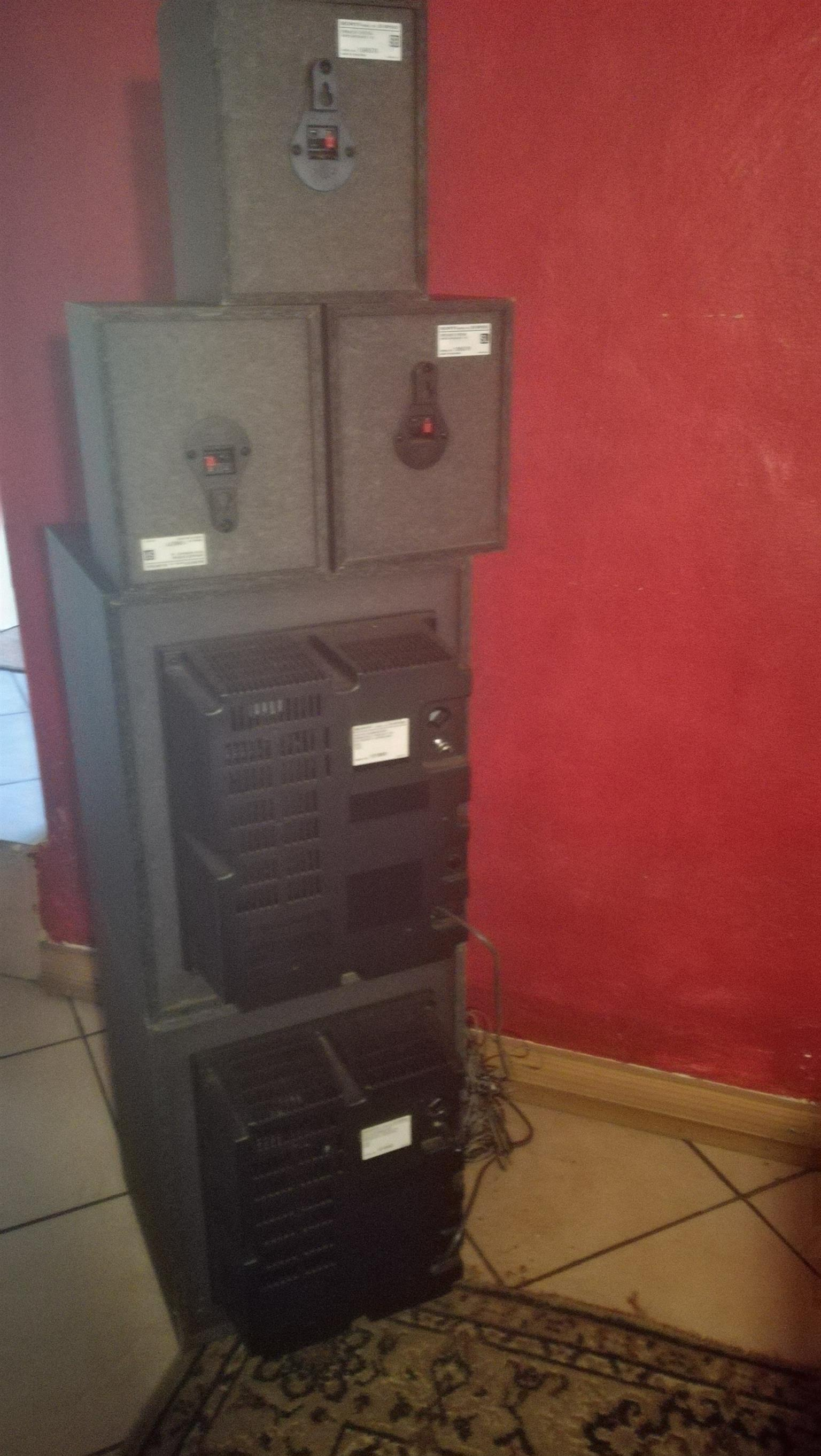Set of Sony speakers in great condition for sale