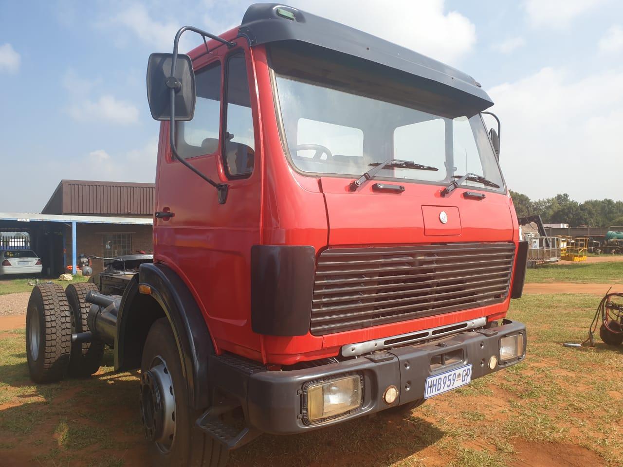 1981 M-Benz 1419 s-axle horse (ADE409)