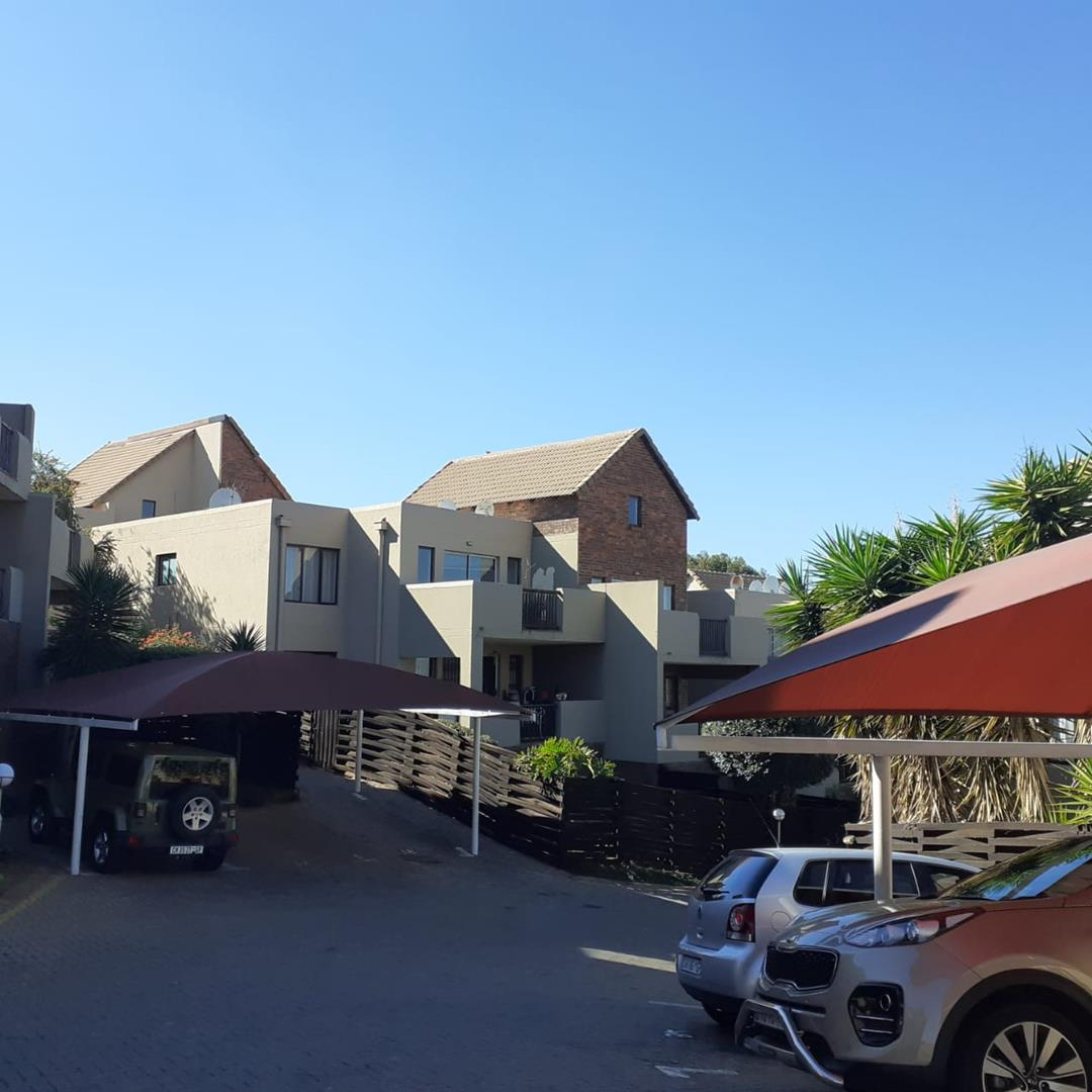 Townhouse For Sale in Winchester Hills
