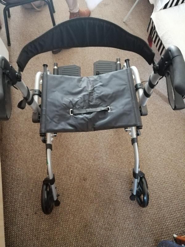 2 in 1 Wheelchair and walking frame