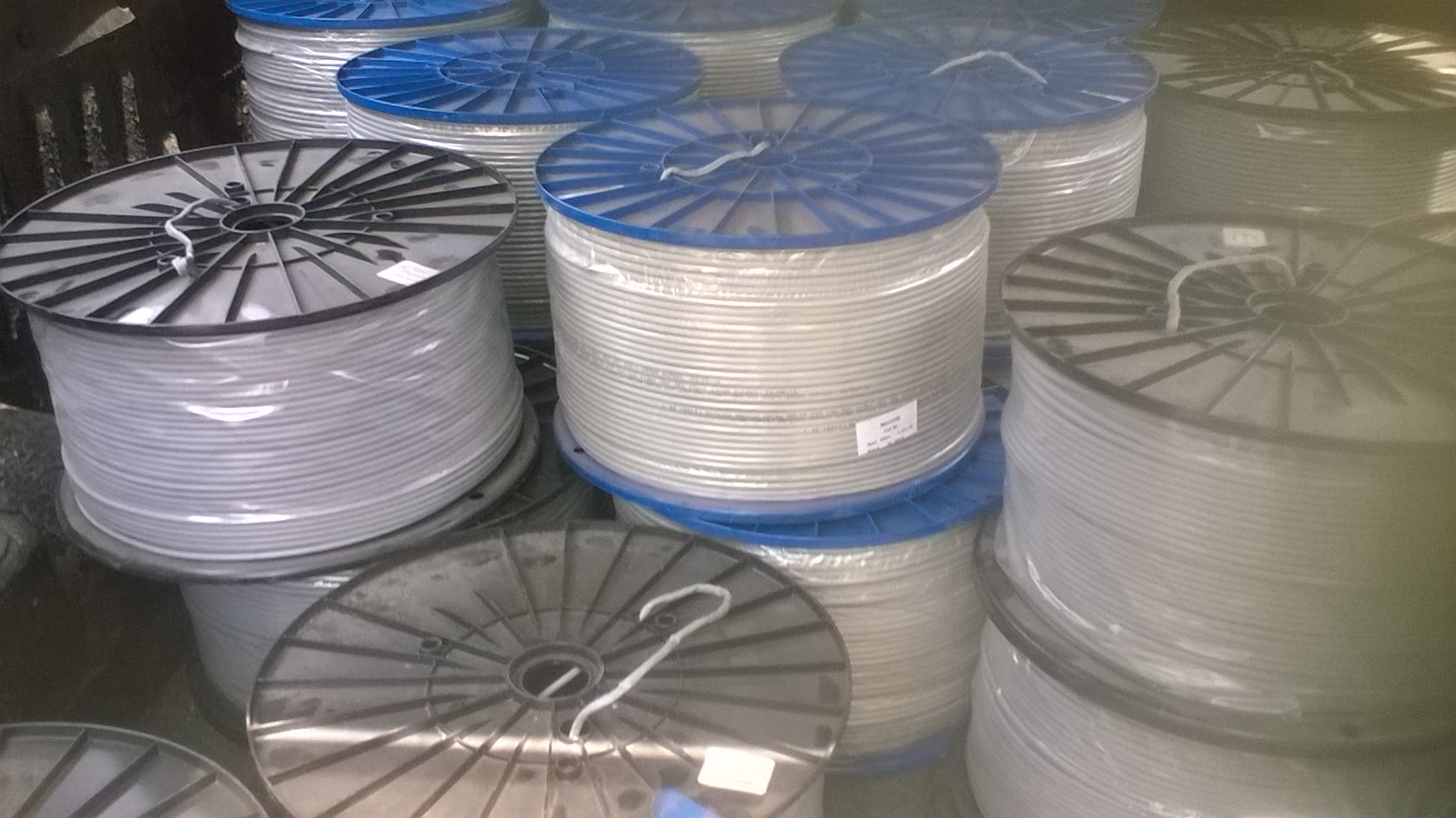 Cat 5e and Cat 6 Network cable / UTP cable / LAN cable for sale