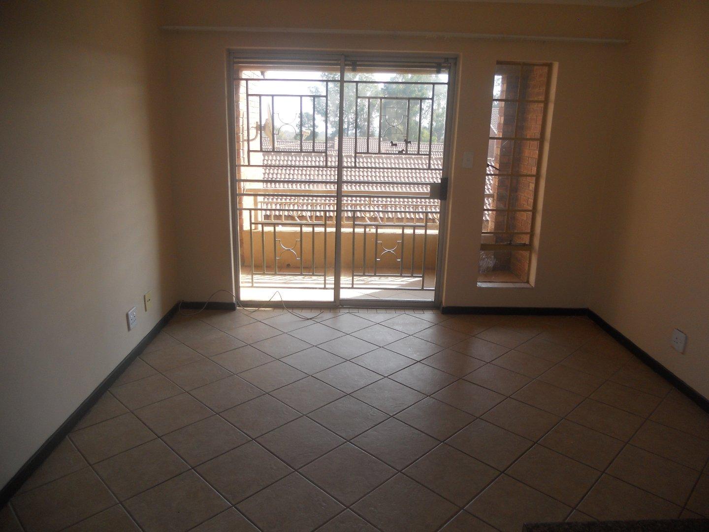 2-bedroom Unit for Sale in Mooikloof Ridge Estate!
