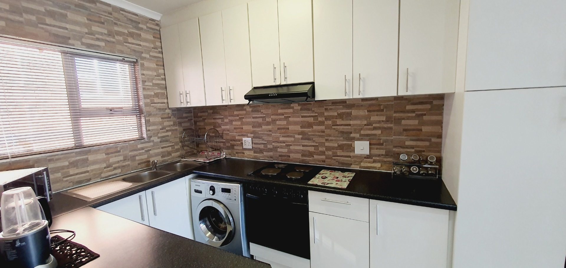 Apartment For Sale in Lyndhurst