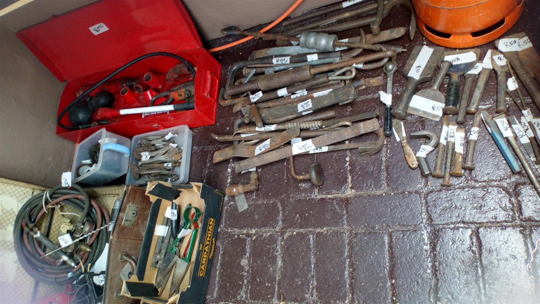 Garage sale: panelbeating equipment etc