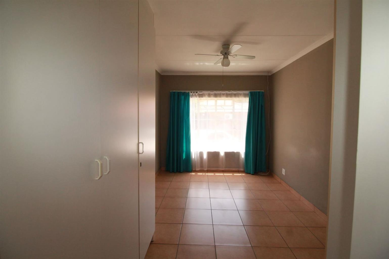 House For Sale in THERESAPARK