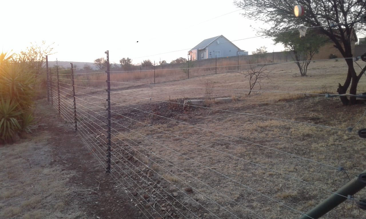 ROOM FOR RENT FROM 1ST DECEMBER IN THE BOSCHKOP AREA