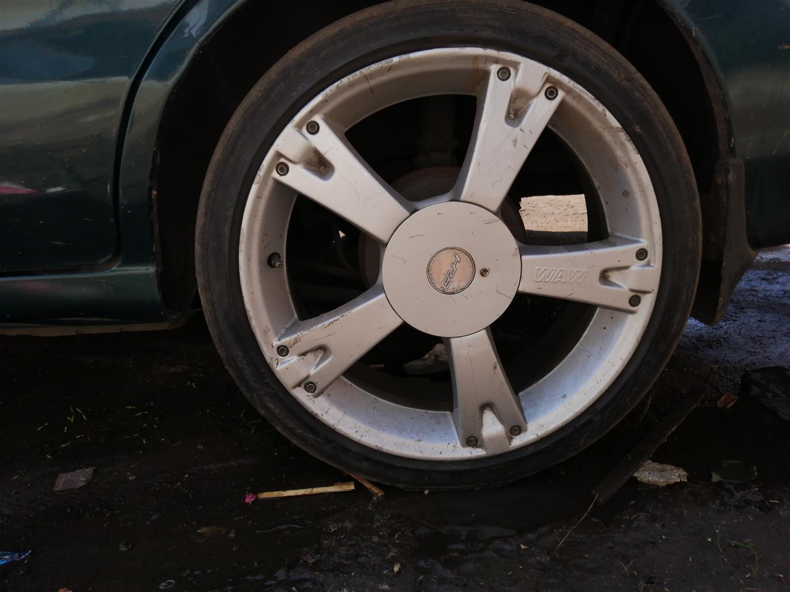"17"" wheels"