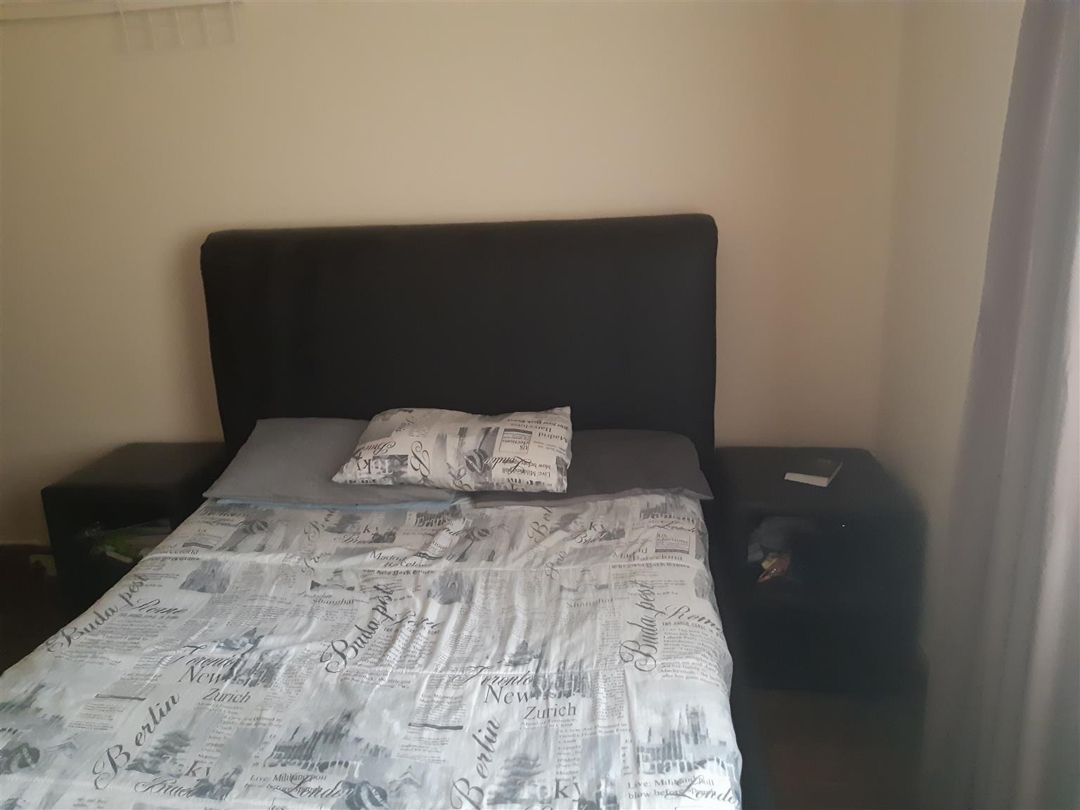 Box sleigh bed