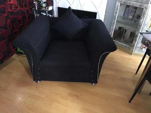 Black 4 seater lounge suite