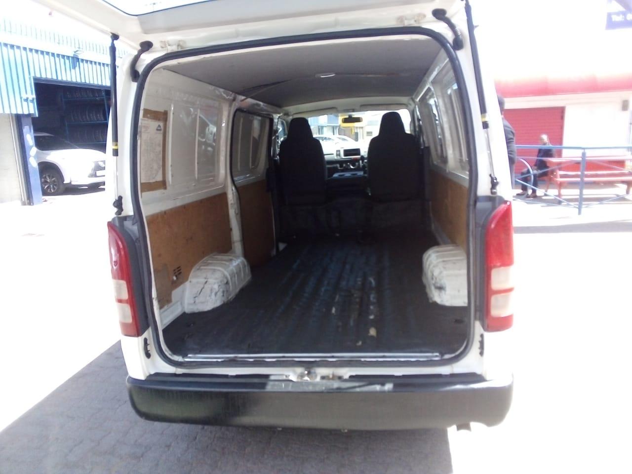 2012 Toyota Quantum SLWB panel van QUANTUM 2.8 SLWB F/C P/V