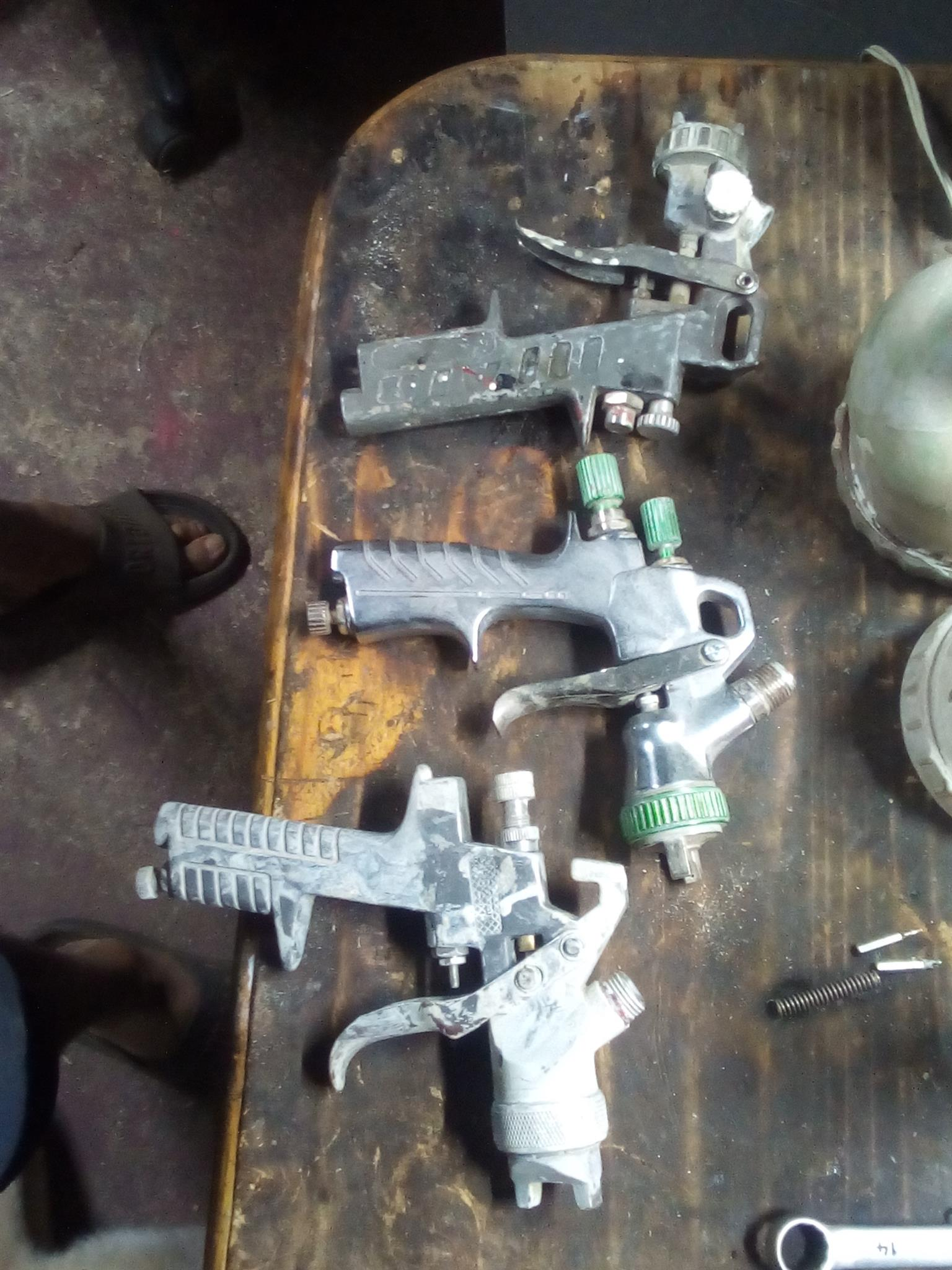 Spray guns for sale in 100% working condition.