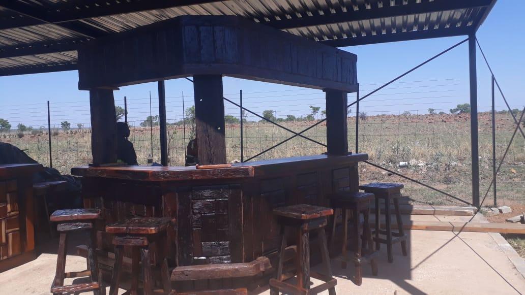 6 Bar chairs