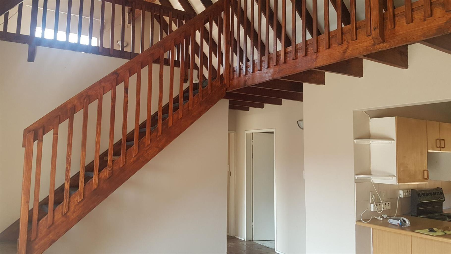 Townhouse Rental Monthly in WEAVIND PARK