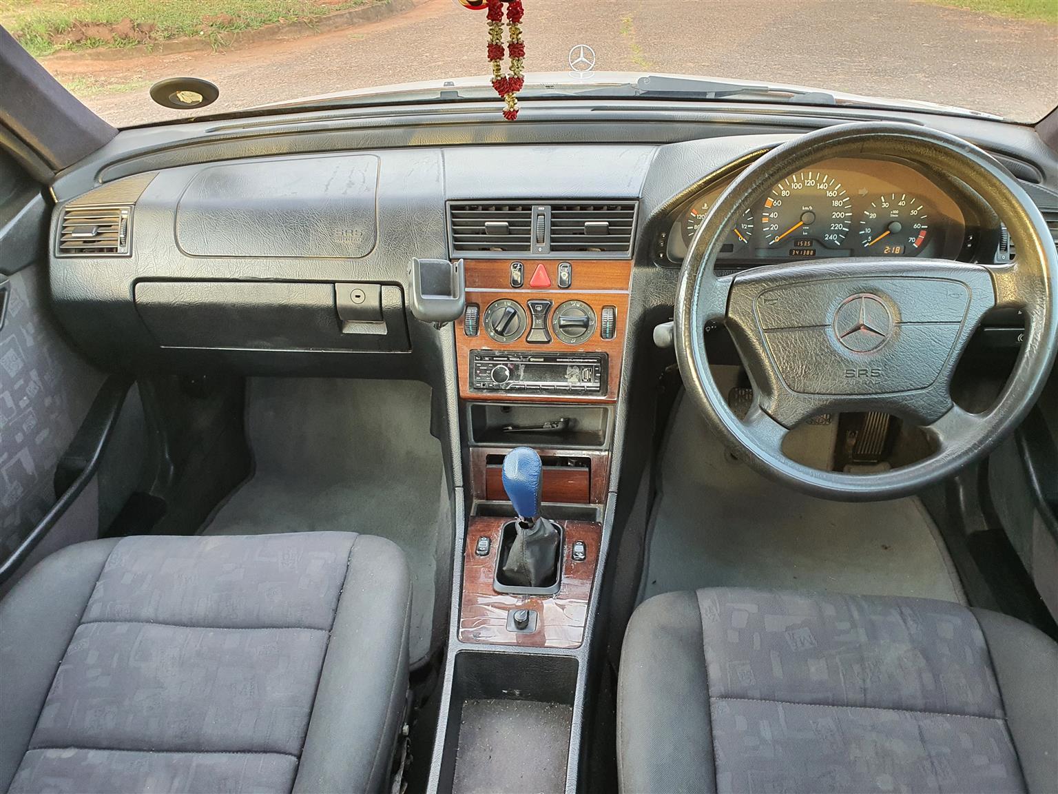 2001 Mercedes Benz 220SE