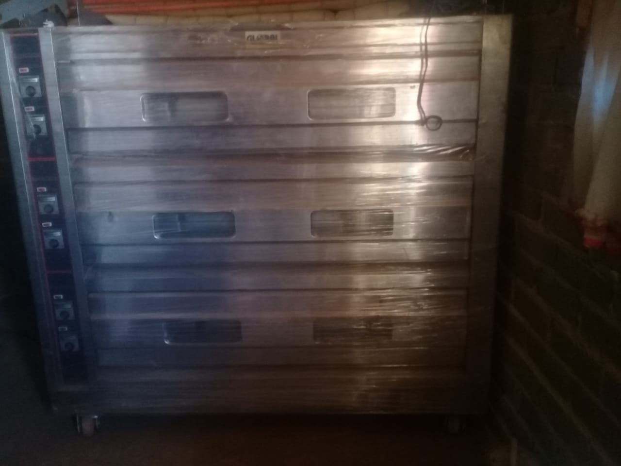 3 Deck baking oven, never been used.