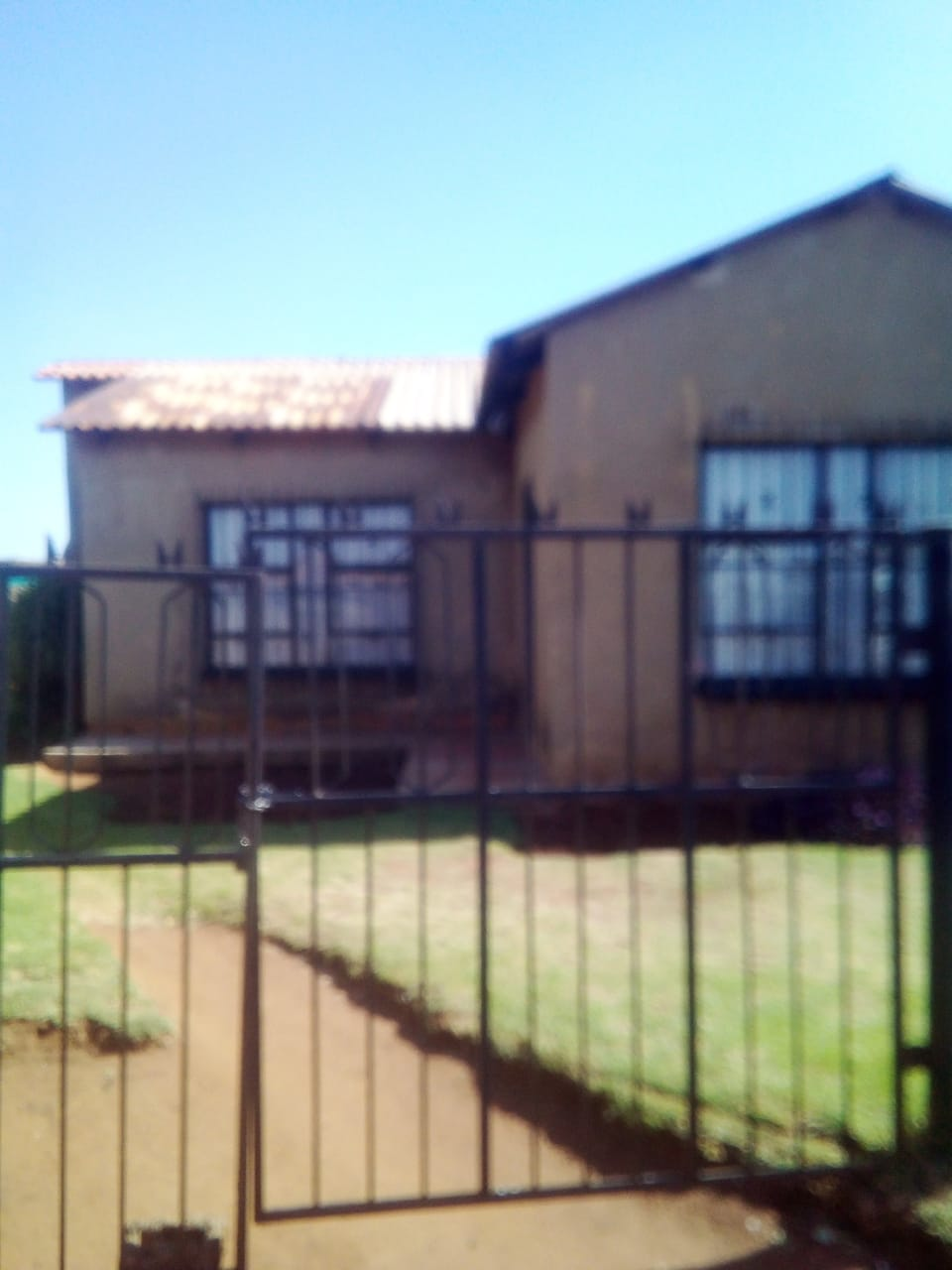 Property for sell in Thokoza
