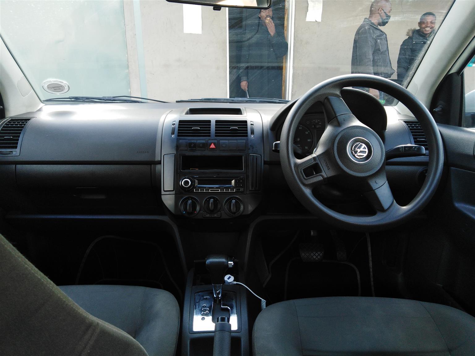 2016 VW Polo Vivo sedan 1.6 Comfortline