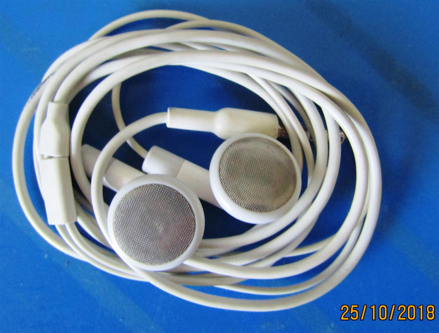 iPod Classic PLUS Speakers ***Needs Attention***