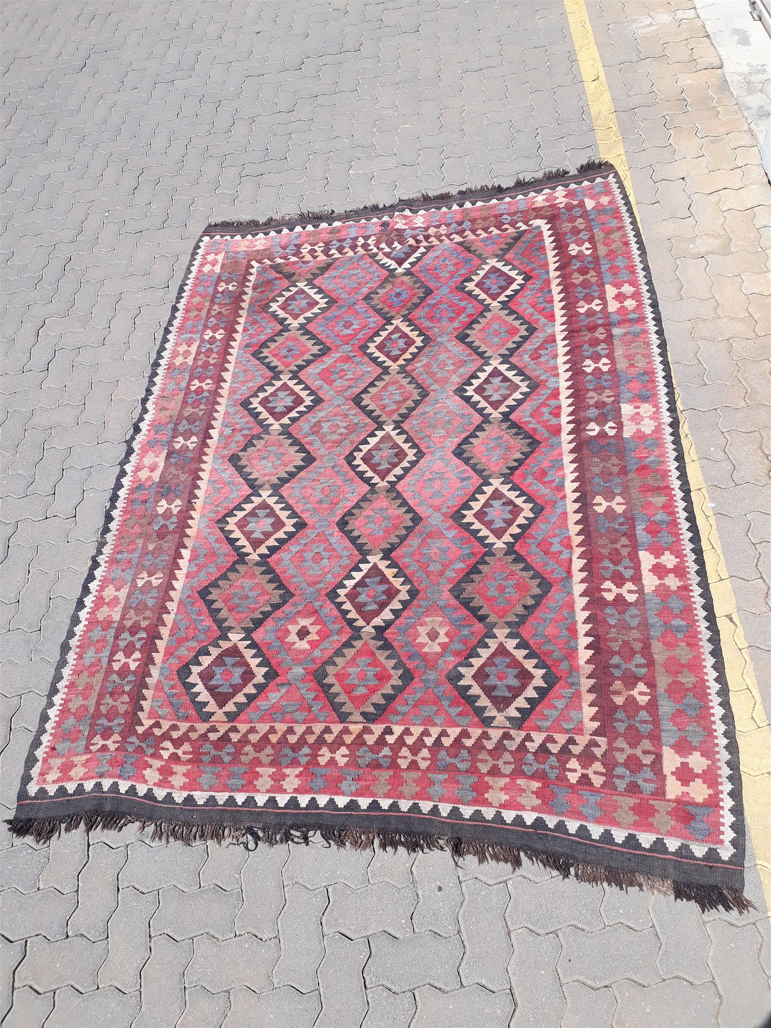Beautiful handmade Persian khelim for sale.