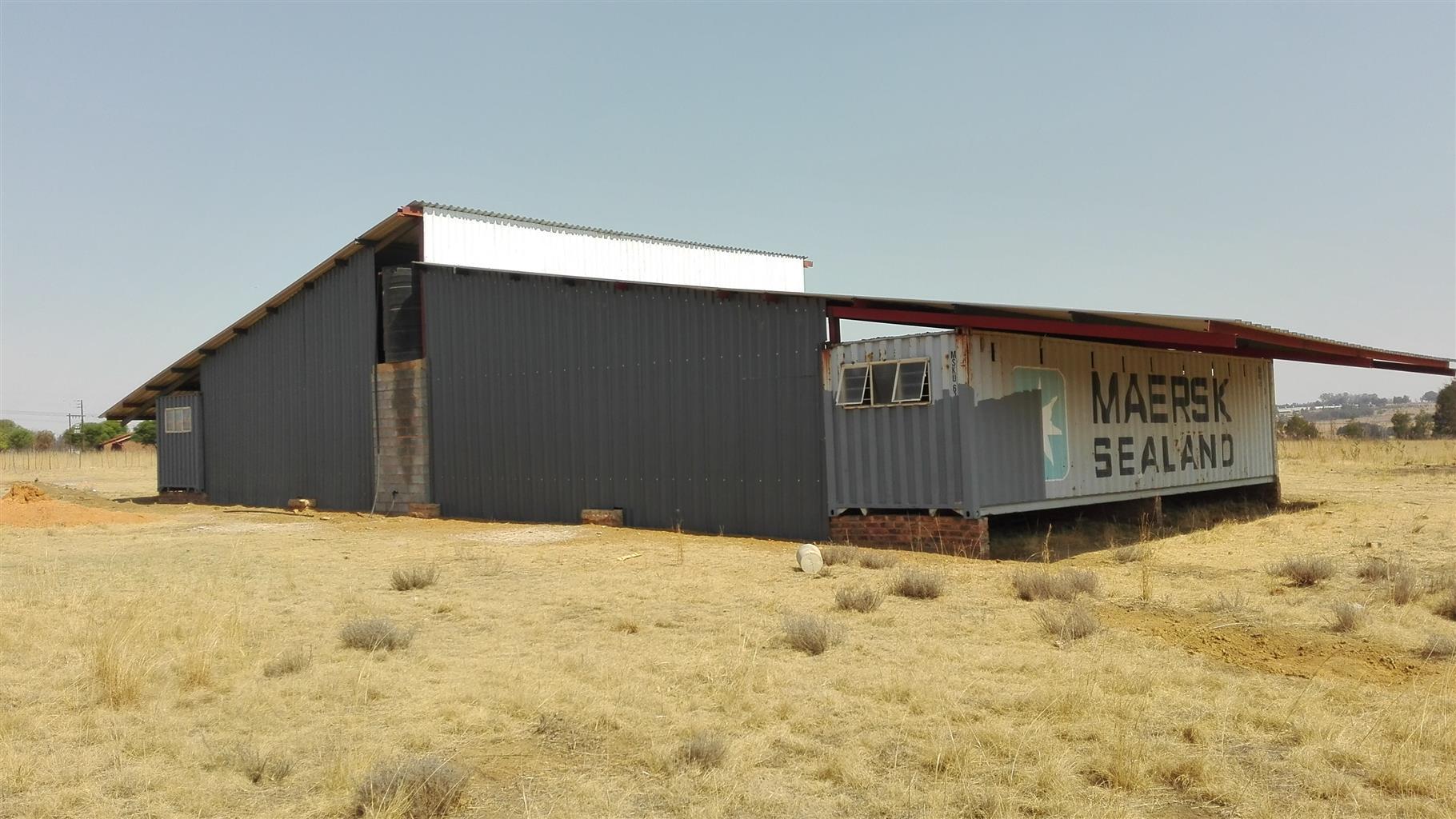 Bashewa - Big 25 Ha Farm 3 km from Garsfontein rd