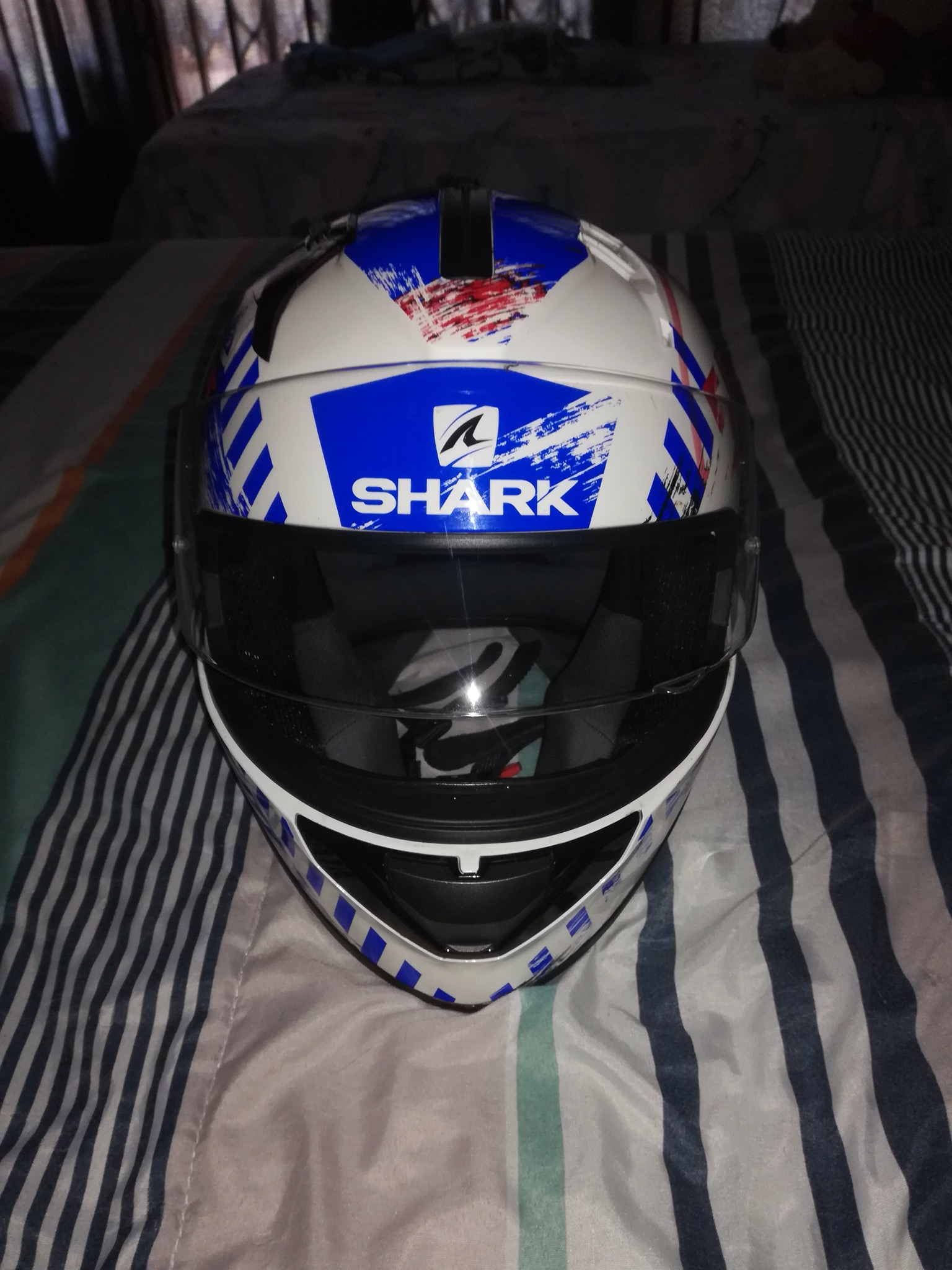 Shark helmet size small,almost brand new,only used a few times