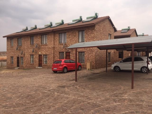 Apartment For Sale in Olievenhoutbosch
