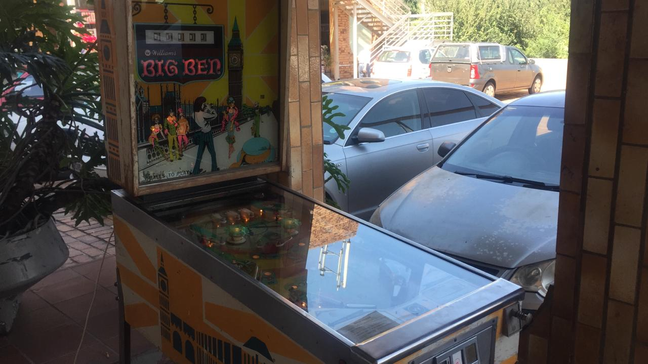 Big Ben Pinball Machine by Williams, in excellent condition