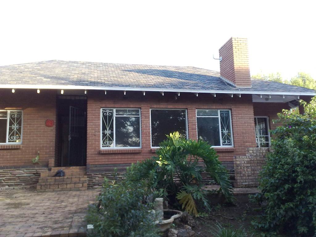 Northcliff, Linden 3 Bedroom house to let
