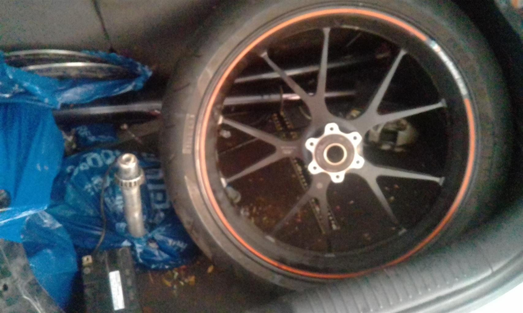"Pirelli 17"" Diablo Rosso front tyre 4 sale"