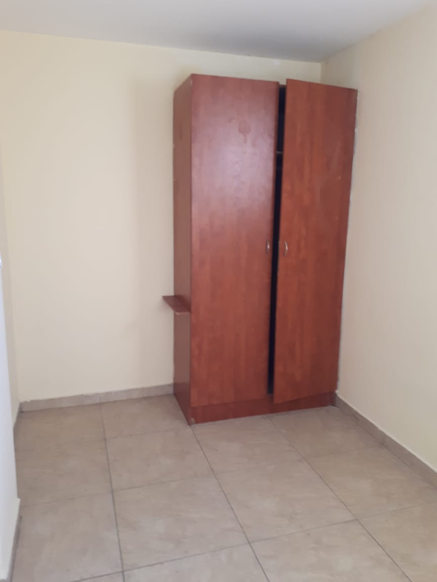 1 bedroom bachelor flat available in Durban CBD