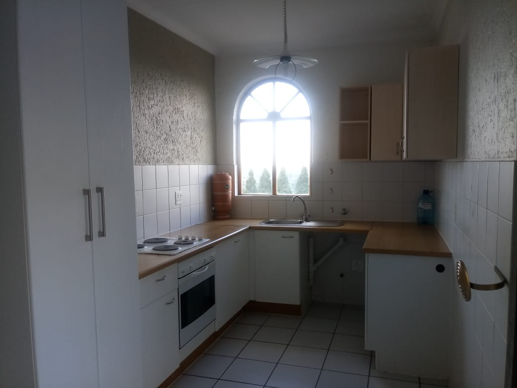 2 BEDROOM FLAT TO RENT CONSTANTIA