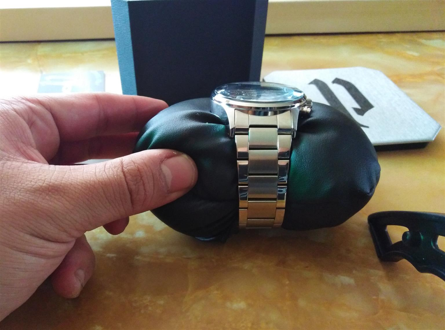 Brand New - Police Mens Watch - Excellent Christmas Gift
