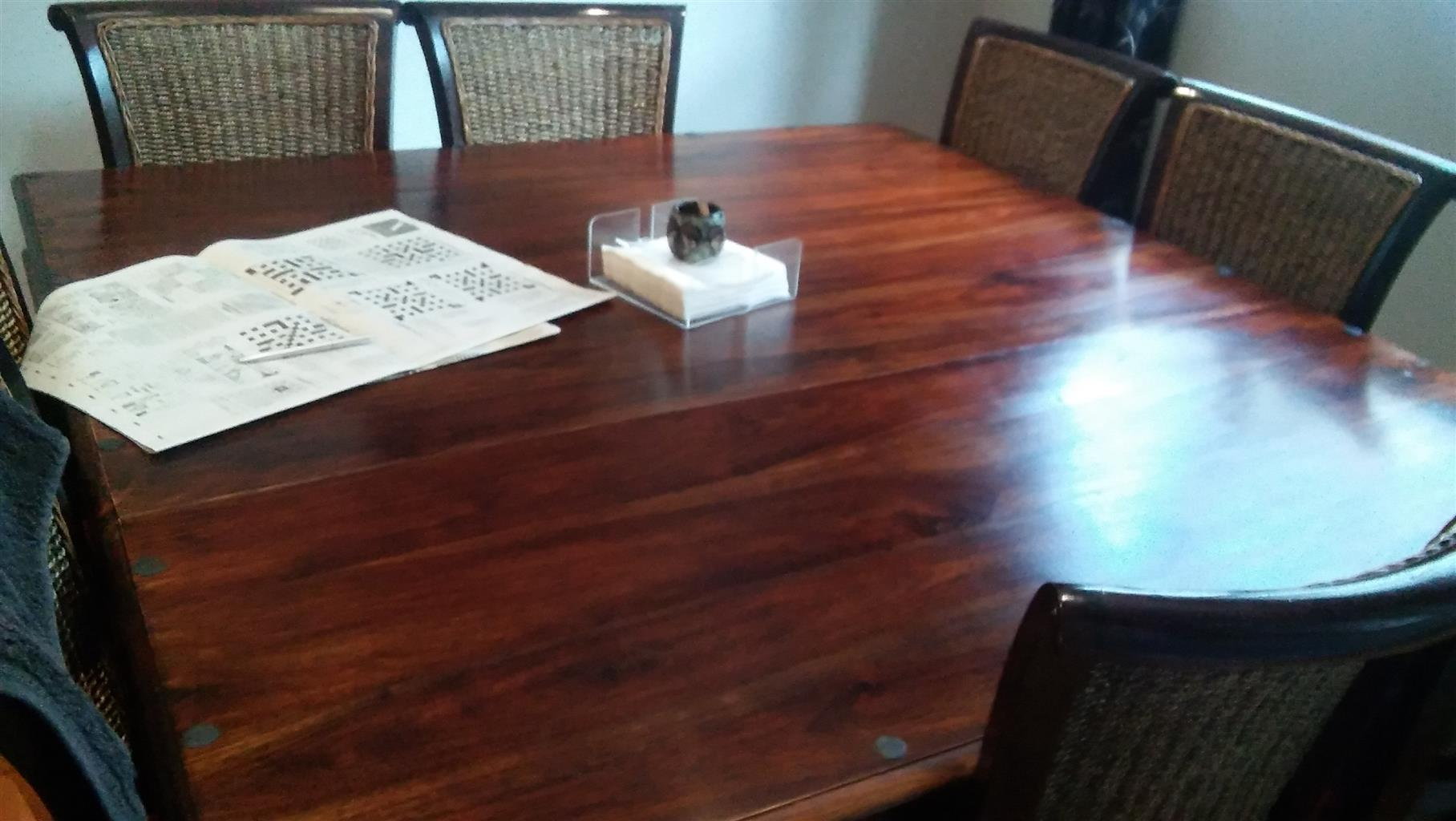 Beautiful Solid Wooden Dining Room Table For Sale Junk Mail