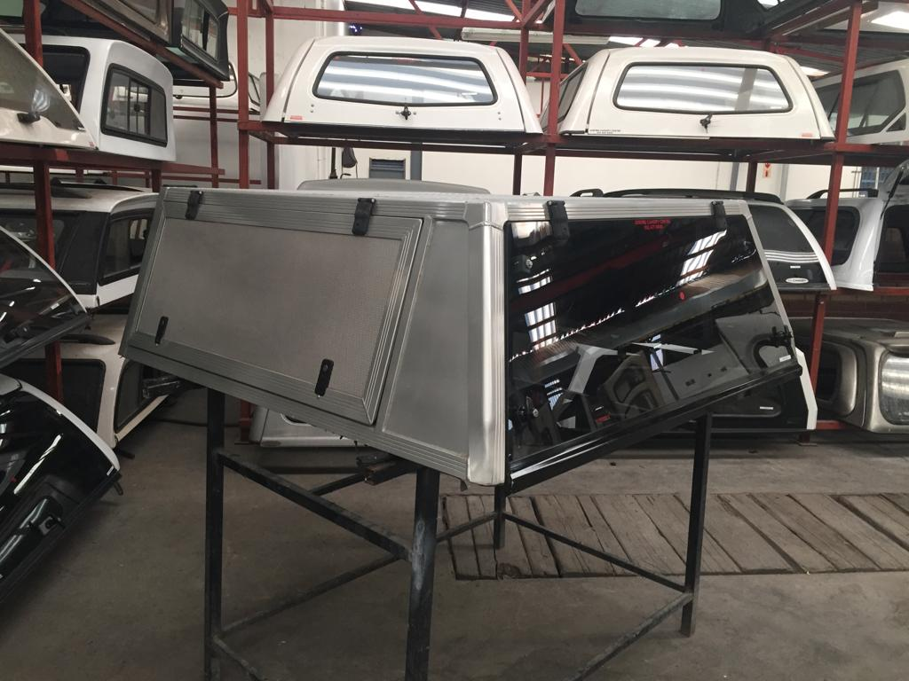 HILUX 05 DC ALU AFRICAN OUTBACK GLASS DOOR CANOPY 3521