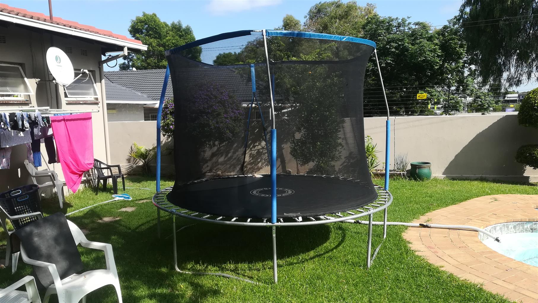Trampoline 10ft (3m) in very good condition