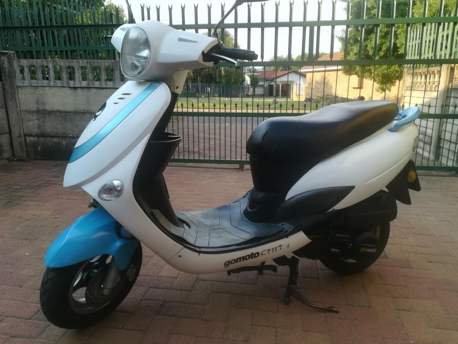 SELLING GOMOTO CITY JET 150 CC SCOOTER